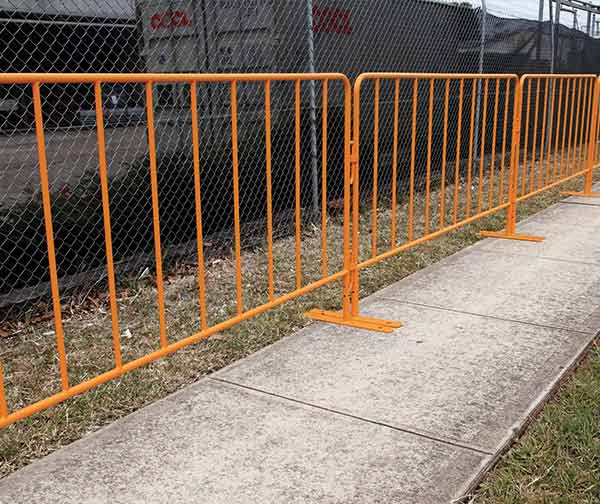 thumb_barriers-crowd-custom-powdercoat